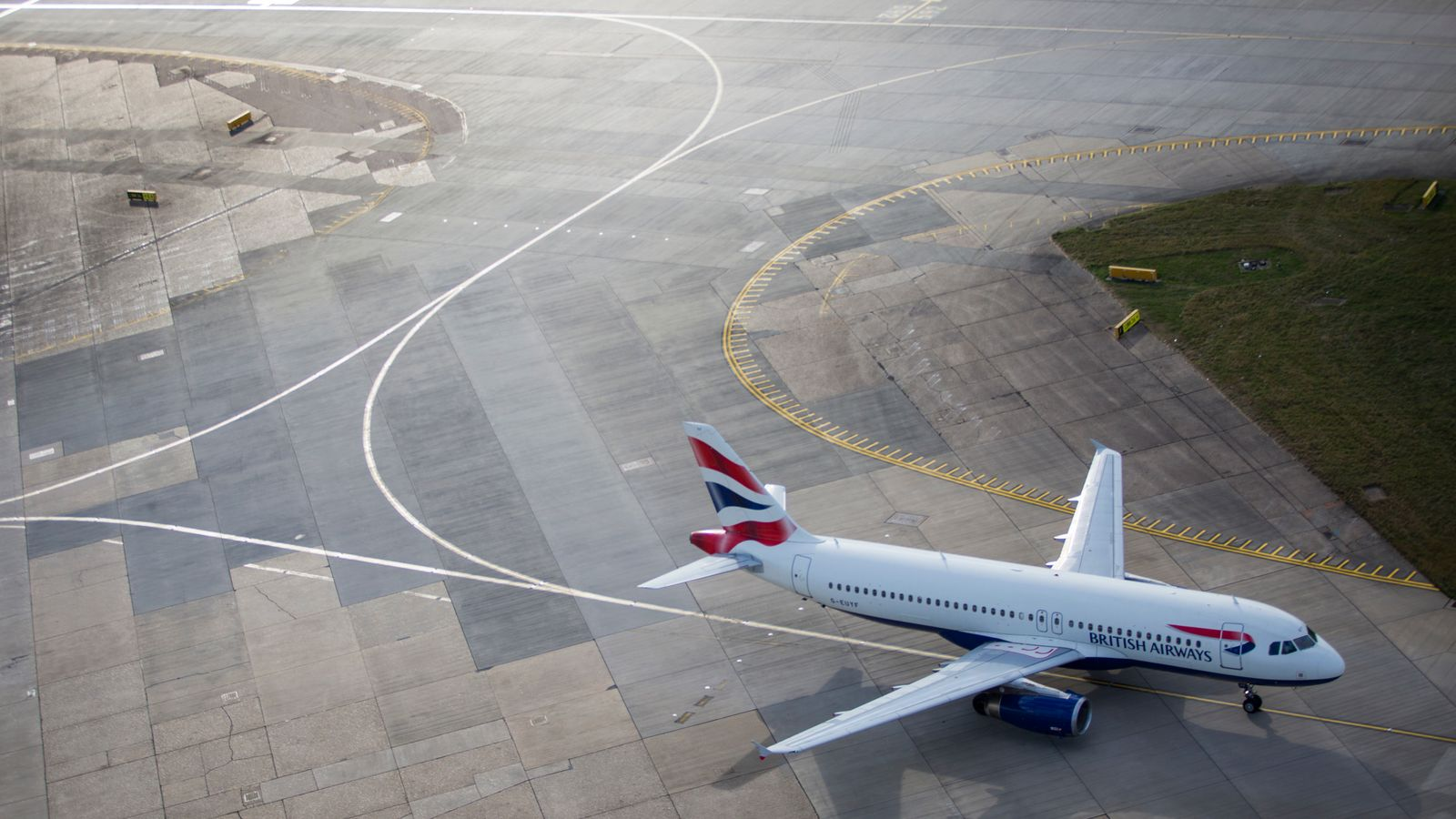 British Airways to launch Heathrow-Newquay service amid Flybe bailout row
