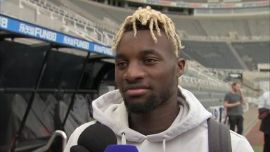 Saint-Maximin enjoying warm welcome