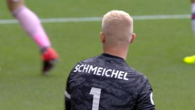 Mount thwarted by Schmeichel (2)