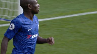 Big chance for Kante (26)