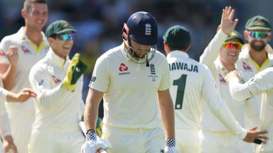 Ashes Bitesize: England fall apart