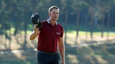 Stenson's surprise hole-in-one!
