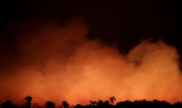 Amazon wildfires: President Jair Bolsonaro says Brazil has just 40 men to fight widespread 'chaos'