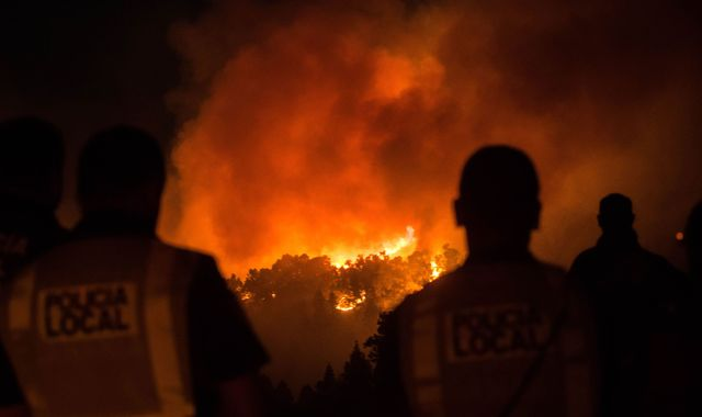 Gran Canaria: 4,000 evacuated as wildfires rip through island for second time in a week