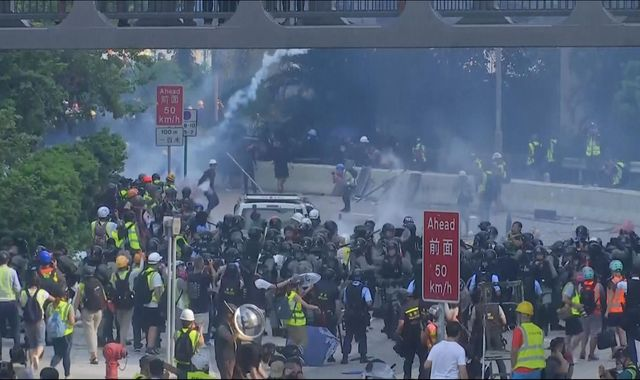 Hong Kong: Police fire tear gas to try to disperse new anti-government protests