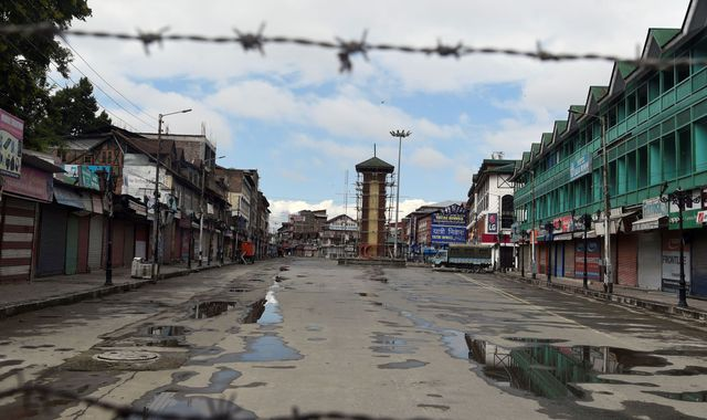 Kashmir: 30 people detained in Srinagar as protests continue