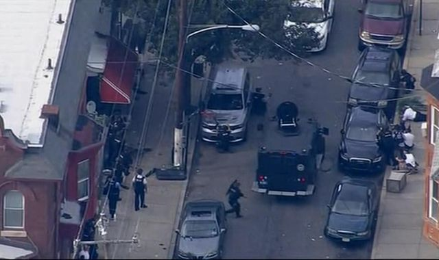 Philadelphia: Man in custody after six police officers shot