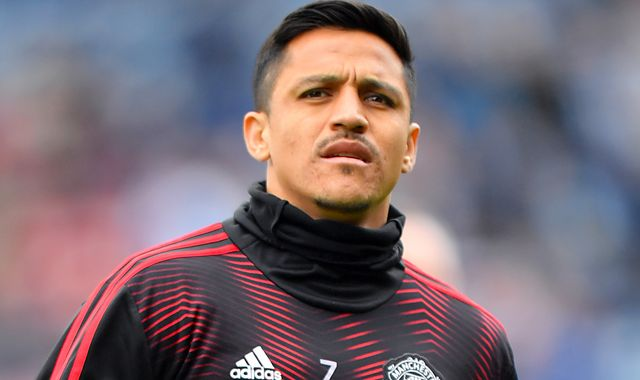 Alexis Sanchez wants to stay at Manchester United, insists Ole Gunnar Solskjaer