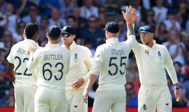 Ashes 2019: England chasing record 359 to beat Australia at Headingley