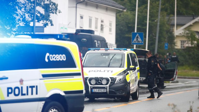 A picture taken on August 10, 2019 shows police vehicles near the al-Noor islamic center mosque where a gunman, armed with multiple weapons, went on a shooting spree in the town of Baerum, an Oslo suburb. - The gunman injured one worshipper before being arrested, police and witnesses said. (Photo by Terje Pedersen / NTB Scanpix / AFP) / Norway OUT        (Photo credit should read TERJE PEDERSEN/AFP/Getty Images)