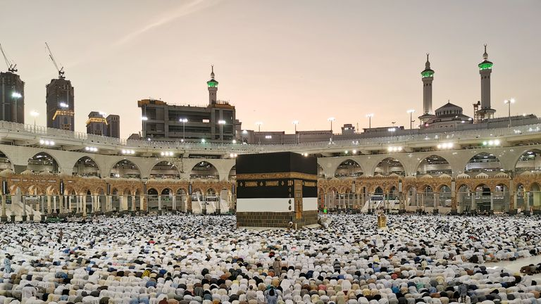 Muslims pray at the Grand Mosque during the annual Hajj pilgrimage in their holy city of Mecca, Saudi Arabia August 8, 2019. REUTERS/Waleed Ali