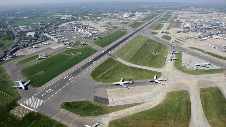 LONDON - APRIL 20:  Planes queueing to take off at Heathrow airport in London, England.  (Photo by Mike Hewitt/Getty Images)