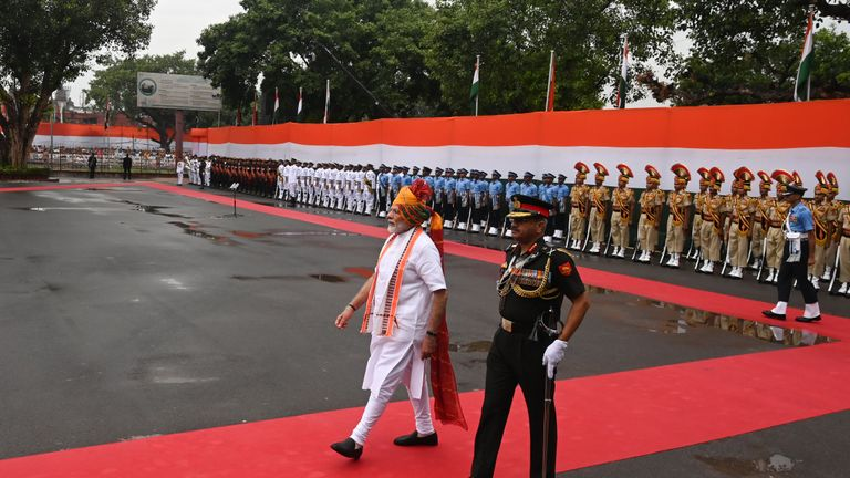 India's Prime Minister Narendra Modi (C) reviews a guard of honour during a ceremony to celebrate country's 73rd Independence Day, which marks the of the end of British colonial rule, at the Red Fort in New Delhi on August 15, 2019. (Photo by Prakash SINGH / AFP)        (Photo credit should read PRAKASH SINGH/AFP/Getty Images)
