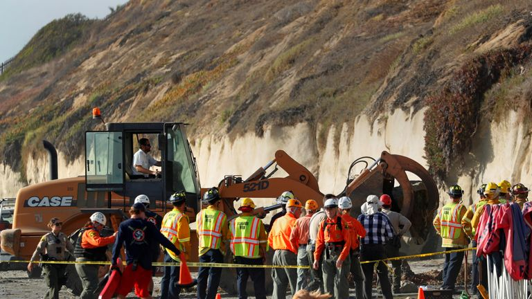 California cliff collapse: Three dead as tonnes of sandstone falls