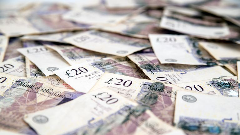 British 20 pounds