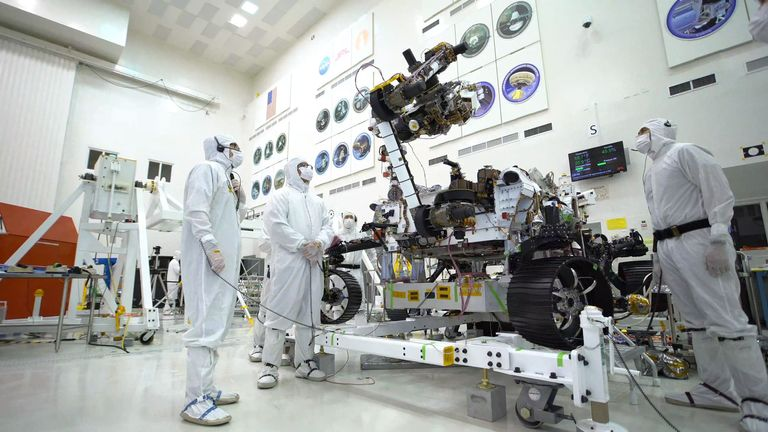 The rover has an arm equipped with five electrical motors and five joints. Pic:NASA/JPL-Caltech