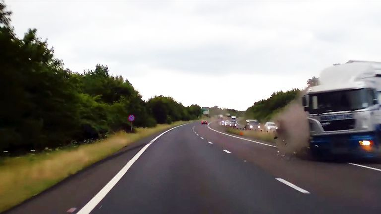 A young driver narrowly avoids a lorry that veered across the A34 near Newbury.