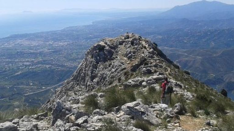 The man was on a hiking trip trying to reach the summit of Pico de la Concha