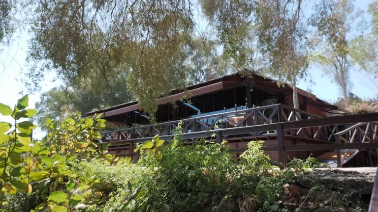 Staff at the Cancha Dos restaurant said the former couple ate in a specially cordoned off area
