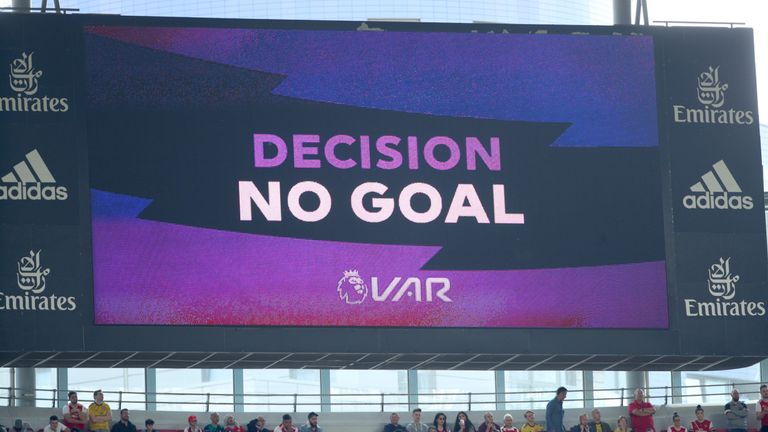 The VAR referral screen shows a no goal decision during the Premier League match