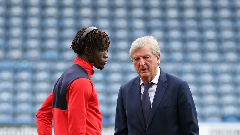 Crystal Palace manager Roy Hogsdon says that Wilfried Zaha is available for selection against Everton despite missing out on a move away from the club.