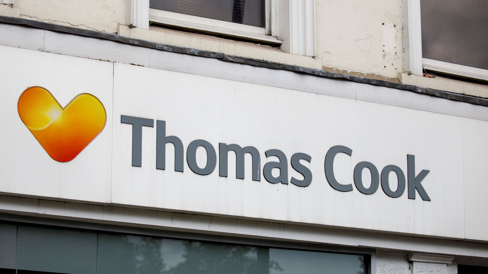 Thomas Cook seeks last-ditch fire-sale in bid to avert collapse