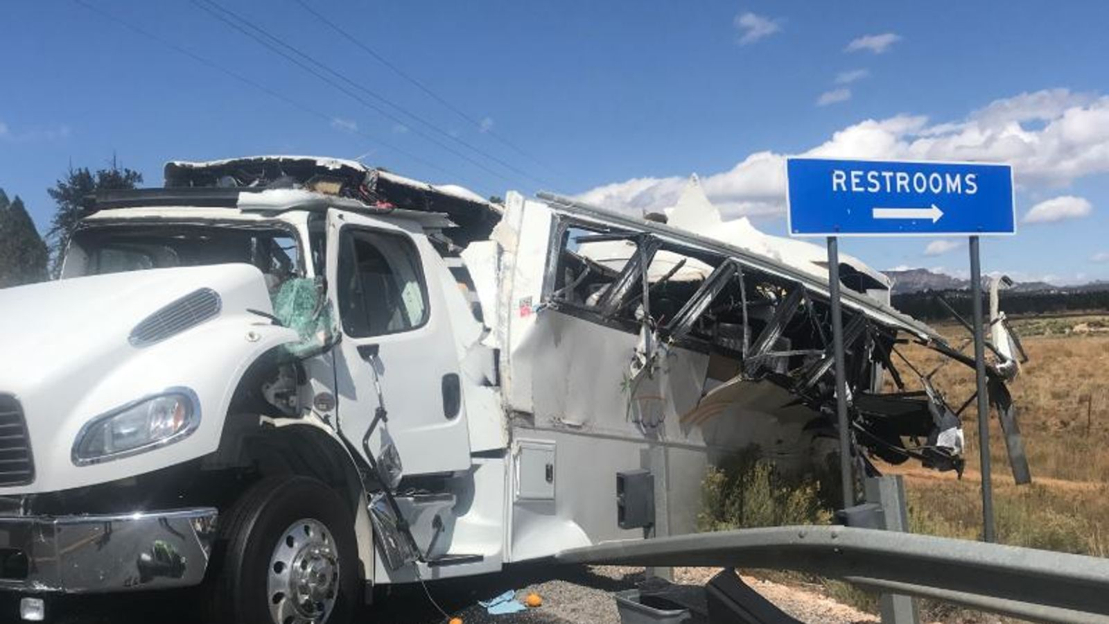 Four people dead as tour bus crashes near Bryce Canyon