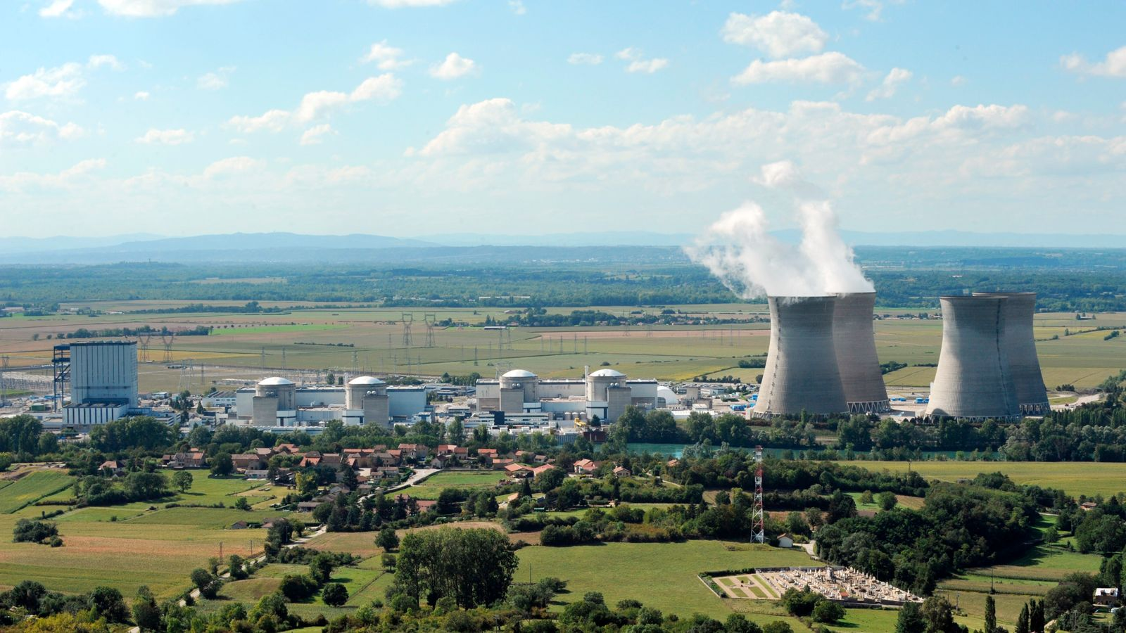 France to give iodine to more people near nuclear plants