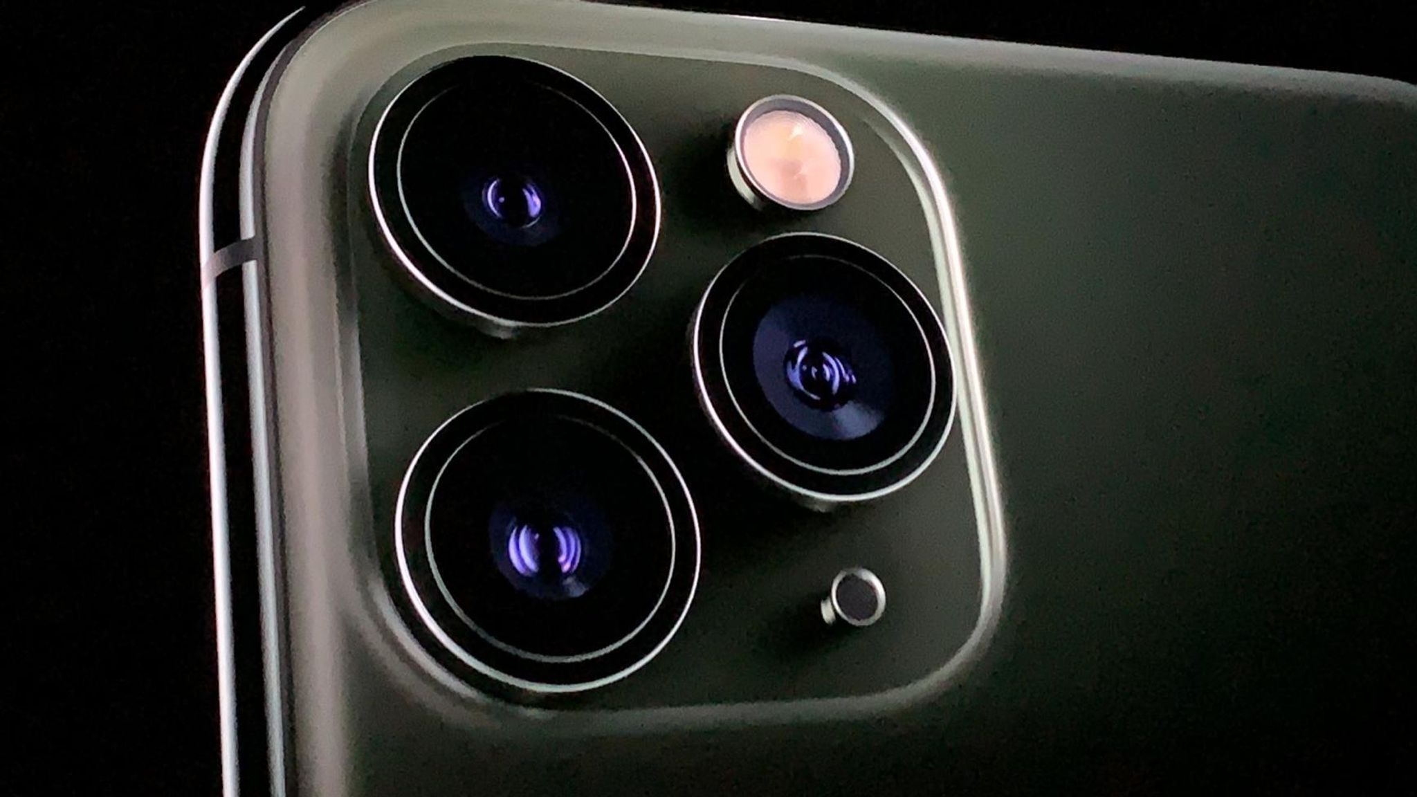New Iphone 11 Pro Camera Triggers Trypophobia Fear Of Tiny Holes Science Tech News Sky News