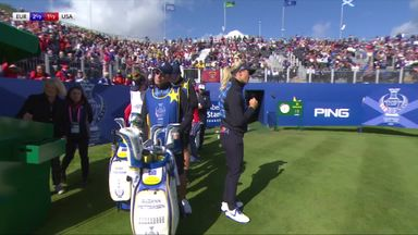 Pettersen dancing at the tee!