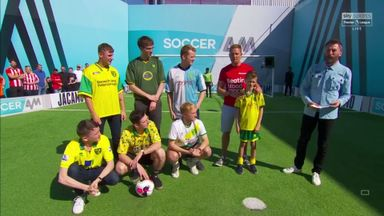 Simon Thomas and Norwich fans | Volley Challenge