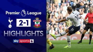 10-man Spurs win despite Lloris howler