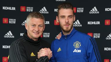 Jose: De Gea 'little bit lucky' over contract
