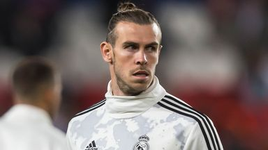 Barnett quiet on Bale's future