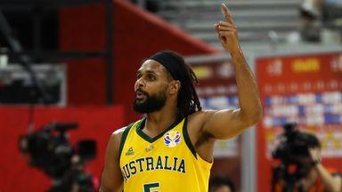 Mills leads Australia to semis