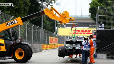 Bottas crashes out in P1
