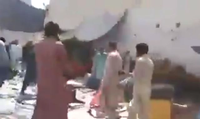 Pakistan: Three arrested after mob ransacks temple, school and homes over 'blasphemy'