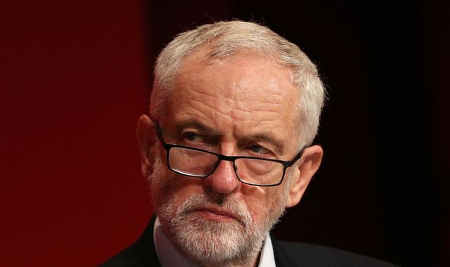 Labour members to vote on pro-Remain stance in challenge to Jeremy Corbyn