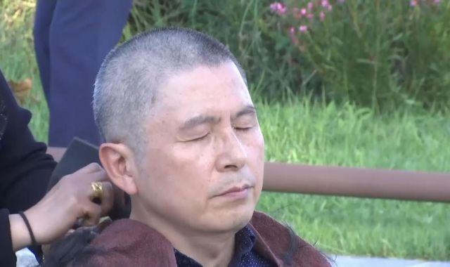South Korean opposition leader shaves head in protest over government appointment
