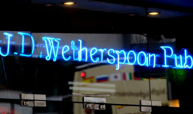 Wetherspoon to serve up 10,000 jobs with £200m spree