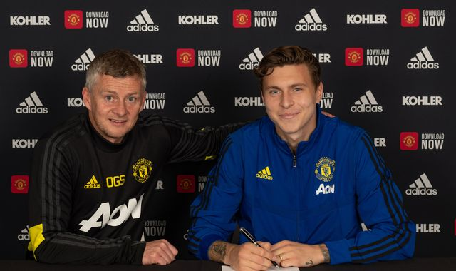 Victor Lindelof: Manchester United defender signs new contract until 2024