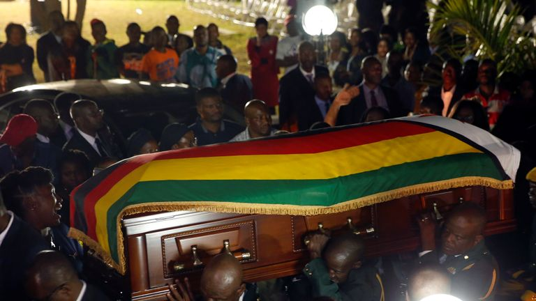The body of former Zimbabwean President Robert Mugabe arrives at the 'Blue Roof', his residence in Borrowdale, Harare, Zimbabwe, September 11,2019. REUTERS/Philimon Bulawayo