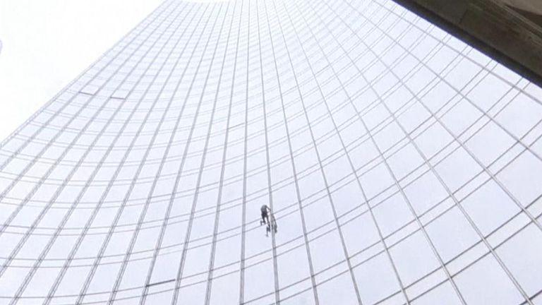Alain Robert ascended and descended a skyscraper in Frankfurt