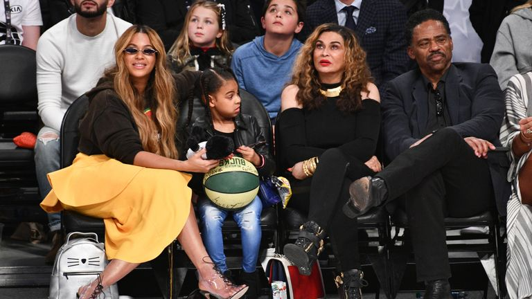 LOS ANGELES, CA - FEBRUARY 18: Beyonce, Blue Ivy Carter, Tina Knowles and Richard Lawson attend The 67th NBA All-Star Game: Team LeBron Vs. Team Stephen at Staples Center on February 18, 2018 in Los Angeles, California. (Photo by Allen Berezovsky/Getty Images)
