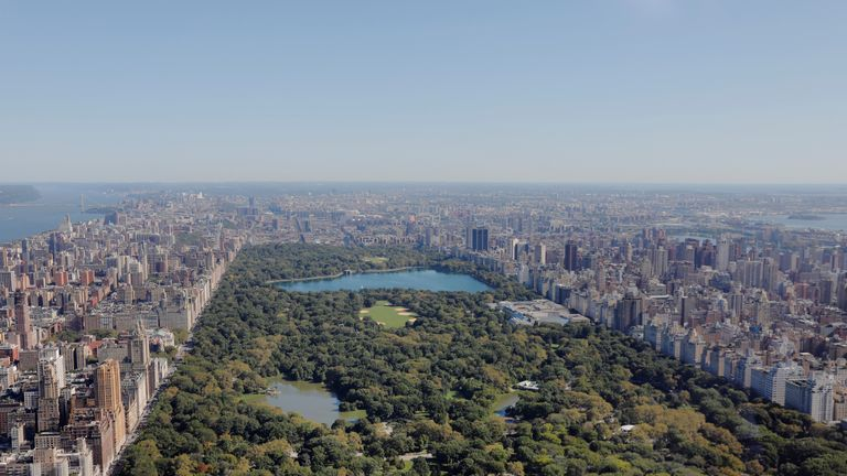 The whole of Central Park and Manhattan can be seen from the flats