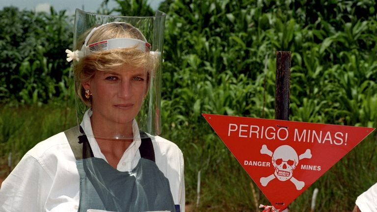 File photo dated 15/01/97 of Diana, Princess of Wales wearing a bombproof visor during her visit to a minefield in Huambo, in Angola. The Duke of Sussex has donned body armour and a protective visor to walk through a partially cleared minefield during a visit to the Halo Trust in Dirico, Angola, in scenes reminiscent of his mother Diana, on day five of the royal tour of Africa. PA Photo. Issue date: Friday September 27, 2019. See PA story ROYAL Tour. Photo credit should read: John Stillwell/PA Wire