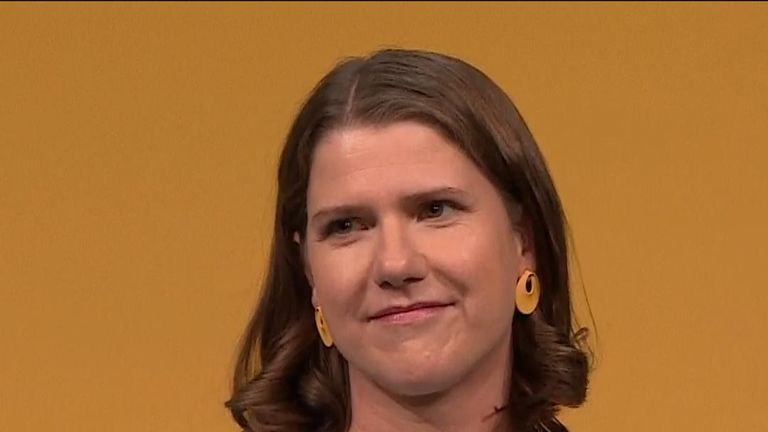 Jo Swinson tells the Liberal Democrat conference that she wants to be prime minister
