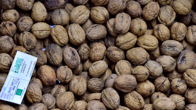 Walnuts were linked to a 15% lower risk of obesity.