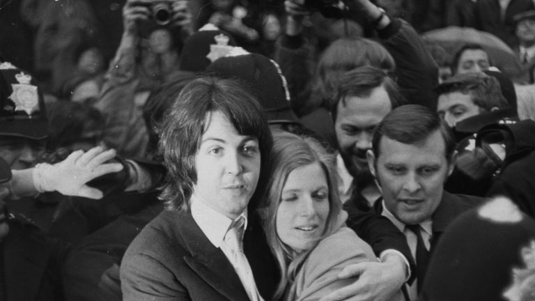 Paul McCartney, the last bachelor in the Beatles, outside Marylebone register office with American photographer Linda Eastman (1941 - 1998) shortly after their wedding ceremony