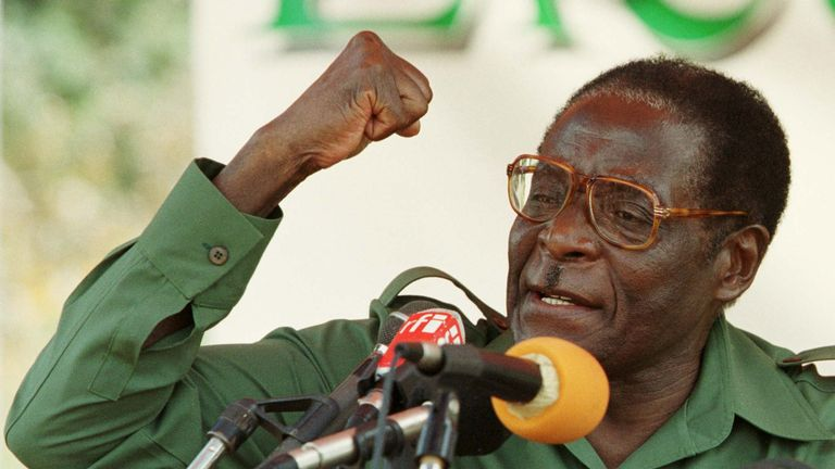 Robert Mugabe speaks at an election rally in Bindura, 2000